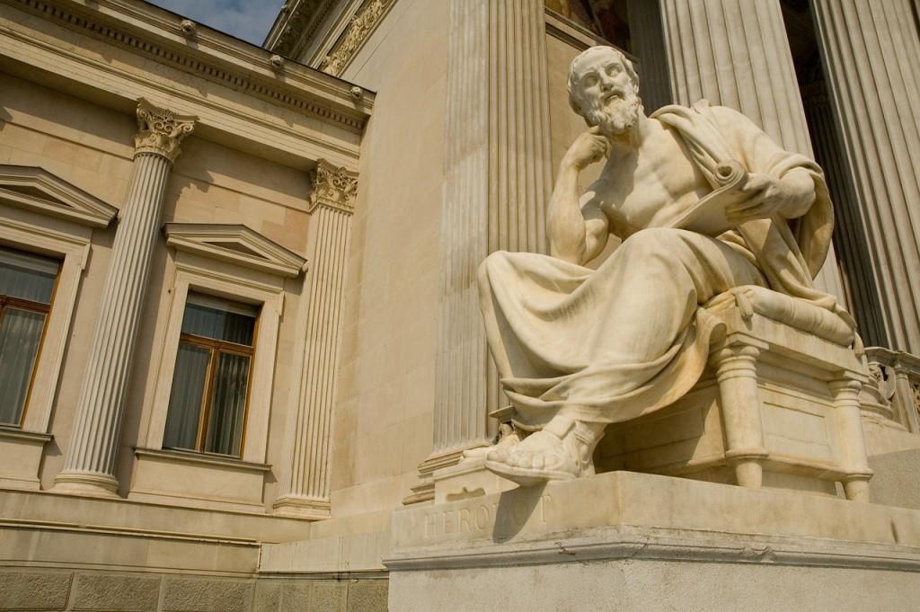 statue-756624_1280