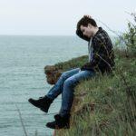 優柔不断な男性の特徴と心理